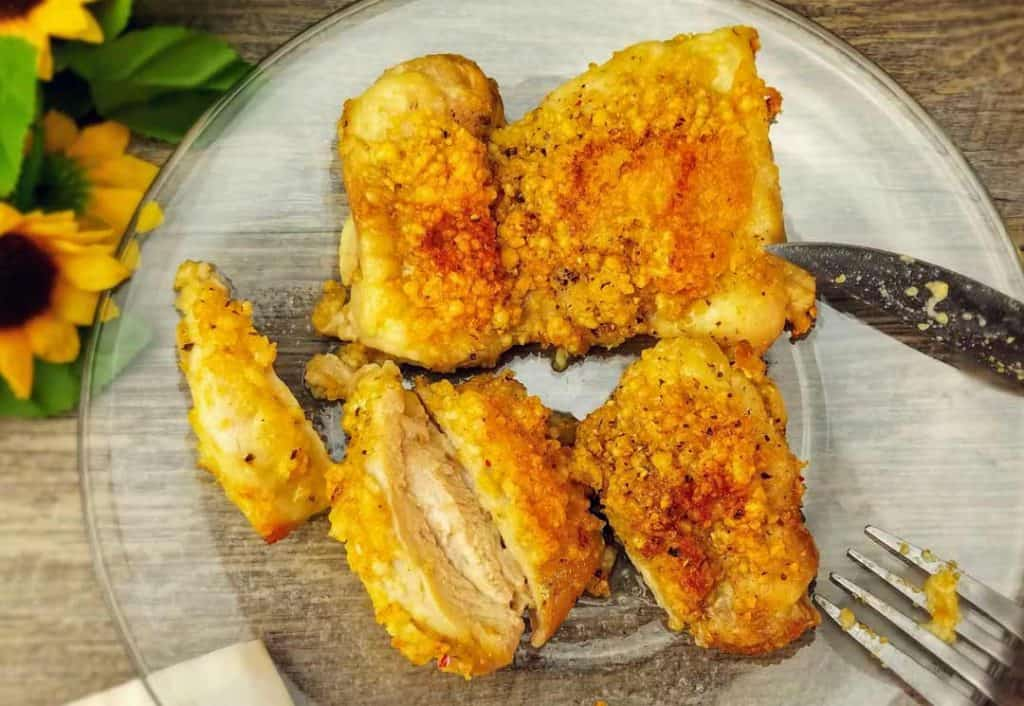 An easy keto air fryer recipe for crispy boneless skinless chicken thighs.